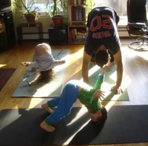 kids-doing-yoga