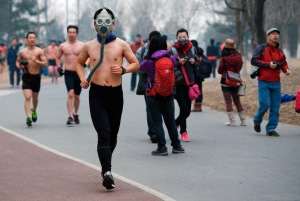 China-runner-in-gas-mask